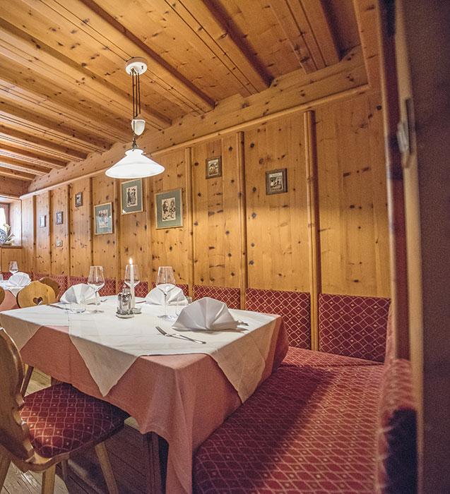 restaurant-alte-zirmstube-03