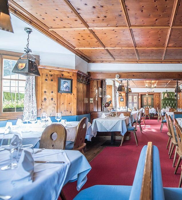 restaurant-gaststube-01